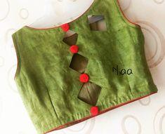Latest Blouse Designs Back Neck Indian Blouse Designs, Simple Blouse Designs, Stylish Blouse Design, Blouse Neck Designs, Latest Blouse Designs, Kurti Back Neck Designs, Simple Blouse Pattern, Blouse Neck Patterns, Cotton Saree Blouse Designs