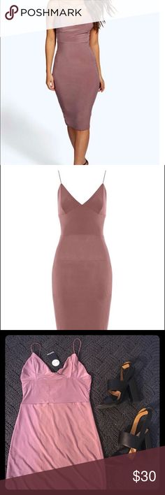 Bodycon Midi dress Beautiful and classy dress for a night out. The Perfect summer color. Boohoo Dresses Midi