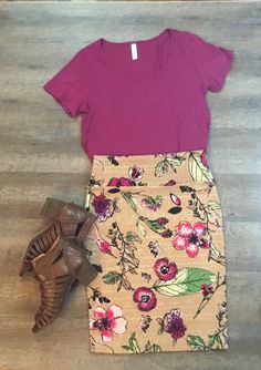 Lularoe Cassie and classic tee lularoejuliebonner Modest Outfits, Simple Outfits, Skirt Outfits, Classy Outfits, Pretty Outfits, Casual Outfits, Cute Outfits, Work Fashion, Modest Fashion