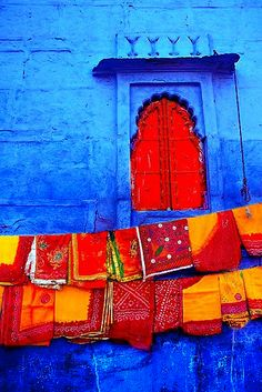 windows textiles on the line in Indiatextiles on the line in India Colors Of The World, Cultural Architecture, Indian Architecture, Oh The Places You'll Go, Belle Photo, Jaipur, Rajasthan India, India Asia, Rajasthan Clothes