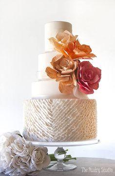coral fall wedding cake via The Pastry Studio - Deer Pearl Flowers / http://www.deerpearlflowers.com/wedding-cakes-desserts/coral-fall-wedding-cake-via-the-pastry-studio/