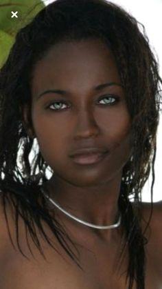 Most Beautiful Eyes, Beautiful Black Girl, Stunning Eyes, Dark Skin Girls, Dark Skin Beauty, Ebony Beauty, African Beauty, Woman Face, Pretty Face