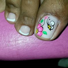 Nice toenails Pedicure Designs, Toe Nail Designs, Rose Nails, Flower Nails, Pretty Toe Nails, Fun Nails, Pedicure Nails, Pedicures, Summer Toe Nails