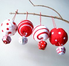 4 CHRISTMAS ORNAMENTS  Wool Felted
