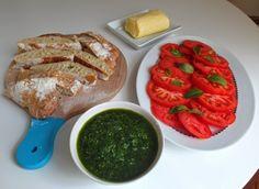 Wild Garlic Pesto / Pesto z medvedieho cesnaku s domácou ciabattou