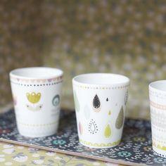 Mini labo Atomic sodaSet de 4 gobelets café en porcelainehauteur 7 cmAtomic soda est un éditeur historique de Mini labo