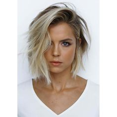 62 of the Popular Short Hairstyles & Haircuts for Thin Fine Hair - These haircut. - - 62 of the Popular Short Hairstyles & Haircuts for Thin Fine Hair - These haircuts are THE must if you are suffering from gradual thinning hair Hair Ex. Haircuts For Thin Fine Hair, Thin Hair Cuts, Bob Haircuts For Women, Short Bob Haircuts, Hairstyles Haircuts, Layered Hairstyles, Trending Hairstyles, Haircut Short, Blonde Bob Hairstyles
