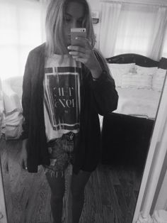 outfit —– urban distressed shorts, the 1975 tshirt (from concert), brandy flannel, vans ❤️