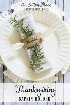 Thanksgiving Napkin Rings   Free Printable   Includes a free printable to make these easy DIY napkin rings for Thanksgiving or any family gathering!