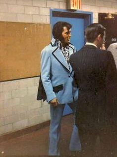 Madison Square Garden...Elvis What's He Doing
