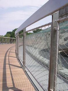 nerezové sítě X-TEND, jako výplň zábradlí = design, bezpečnost, životnost, ochrana proti pádu - Carl Stahl www.carlstahl.cz
