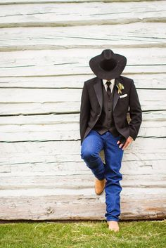 Almost the look for the guys but not the work boot look more of a dark brown cow. Almost the look for the guys but not the work boot look more of a dark brown cowboy boot. Cowboy Wedding Attire, Country Groom Attire, Country Wedding Attire, Wedding Hats, Wedding Men, Wedding Styles, Wedding Ideas, Country Groomsmen, Cowboy Weddings