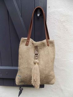 Image of Sac Nomad Chic tailles) Burlap Bags, Jute Bags, Hessian, Sacs Tote Bags, Boho Bags, Craft Bags, Linen Bag, Denim Bag, Fabric Bags