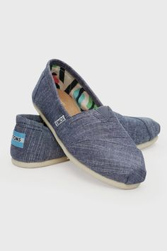Toms Women's Classic Shoe - Shoes | North Beach