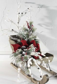 RAZ Christmas Sleigh - Trendy Tree Blog