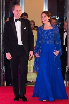 Prince William & Kate Middleton Attend Bollywood-Inspired Charity Gala During Royal Visit to India.Kate Midleton dazzled in a long royal blue beaded cobalt gown after sticking with one of her favourite designers, Jenny Packham Style Kate Middleton, Kate Middleton Wedding Dress, Long Sleeve Evening Dresses, Blue Evening Dresses, Bollywood, Jenny Packham, Vestidos Kate Middleton, Royal Wedding Gowns, Duchess Of Cambridge