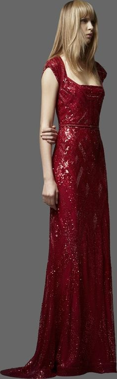 ELIE SAAB; Ohhh, I love this woman! Who she is I don't know. But OMG! I'm in love.... ♥♡♥♡♥♥♡♥♡♥ There's another picture of this beautiful vision below....