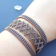 Wire Jewelry Glue Tiffany T Wire Bracelet Rose Gold Price Wire Wrapped Bracelet, Copper Bracelet, Copper Jewelry, Copper Wire, Diy Bracelets Easy, Woven Bracelets, Handmade Bracelets, Handmade Wire, Wire Jewelry Making