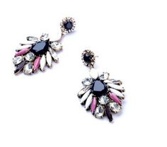 Luxury Chandelier Earring Design  RP 150.000 Material : Crystal Size : 8cm *4cm  FOR ORDERING WA OR TEXT 087875164760