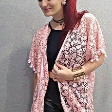 "Kimono / Saída de Praia Rosa com Pom Pom ""Borboletas"""