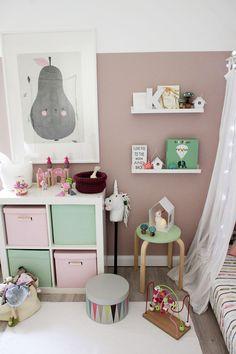 Ganz süßes Mädchenzimmer in Mint und Rosa und vielen zauberhaften Details.