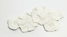 SAPRI: Bandana elaborada con flores Valentino.
