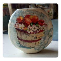 Handmade Home, Bottle Crafts, Serving Bowls, Decoupage, Vase, Tableware, Home Decor, Dinnerware, Decoration Home