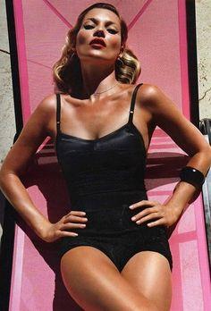 Kate Moss by Mario Sorrenti for Vogue Paris June/July she looks amazing here. Mario Sorrenti, Vogue Paris, Terry Richardson, Pink Lady, Ella Moss, Angelina Jolie, Fashion Week, Fashion Models, Fashion Glamour