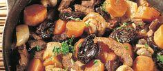 Luumuinen lihapata Pot Roast, Ethnic Recipes, Food, Carne Asada, Essen, Yemek, Beef Stews, Meals