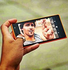 Smartphone para quem gosta de tirar selfies - http://www.blogpc.net.br/2014/12/Smartphone-para-quem-gosta-de-tirar-selfies.html