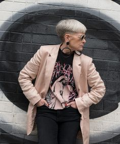 The Accidental Icon Lyn Slater On Style And Influence Over 50 Womens Fashion, Fashion Over 50, Fashion Tips For Women, Trendy Fashion, Plus Size Fashion, Girl Fashion, Spring Fashion, Outfits Otoño, Cool Outfits