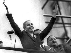 11. Ella no tenía una posición oficial en el gobierno, pero tenía mucho poder y influencia.