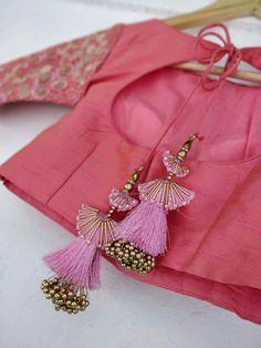 Saree Tassels Designs, Saree Kuchu Designs, Saree Blouse Neck Designs, Fancy Blouse Designs, Bridal Blouse Designs, Indian Blouse Designs, Stylish Blouse Design, Designer Blouse Patterns, Fabric Jewelry