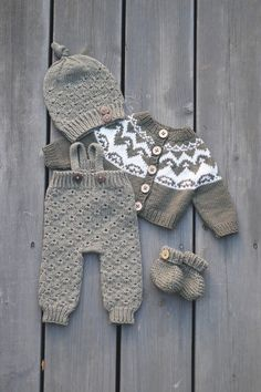 Crochet Doll Dress, Crochet Doll Clothes, Baby Born Clothes, Baby Barn, Fluffy Sweater, Doll Shop, Drops Design, Baby Knitting Patterns, Kids And Parenting