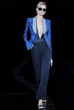 Giorgio Armani Spring 2010 Ready-to-Wear Fashion Show - Kim Noorda