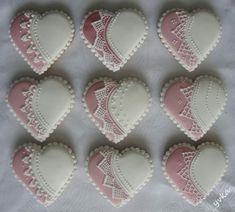 svadobné srdiečka, Svadobné medovníky, Autor: yvka Valentine Cookies, Easter Cookies, Christmas Cookies, Valentines, Lace Cookies, Heart Cookies, Cupcake Cookies, Cookie Icing, Royal Icing Cookies