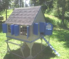 gorgeous coop for 12 to 15 birds only at www.greengardenchicken.com