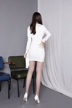 Manfai Wong's media statistics and analytics Asian Fashion, Girl Fashion, Fashion Outfits, Womens Fashion, Sexy Legs And Heels, In Pantyhose, Sexy Asian Girls, Tight Dresses, Asian Woman