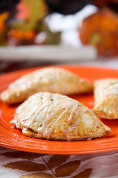 Charming Pumpkin Hand Pies | The only thing better than pumpkin pie is this recipe for pumpkin HAND PIES!