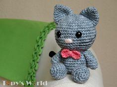 Ravelry: Bow, the kitten pattern by Marina Bellai