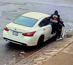 Detroit Police want to Identify and Locate East side Carjacking Suspect