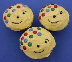 Pudsey Bear Cupcakes for Children in Need. Lets hope they look like this when I have made them!