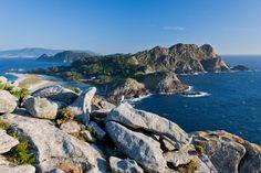 Unas islas: Cíes  - ELLE.es Geography Of Spain, Valencia, Natural, Mountains, Landscape, Water, Outdoor, Zaragoza, National Treasure