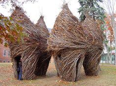 Patrick Dougherty, sculptures végétales éphémères Land Art