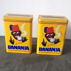 2 boîtes Banania en métal 1957 . Vintage French Banania Cocoa Chocolate Tin . Collectible Tin Chocolate Canister de la boutique LaMachineaBrocantes sur Etsy