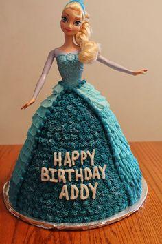 Elsa doll cake. #Elsacake #dollcake #lisacayscakes