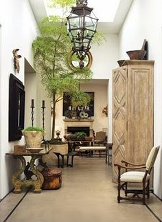 Hanging lanterns makes for a gorgeous, eclectic Hallway.
