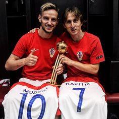 Ivan Rakitic and Luka Modric World Cup final 2018 Croatia vs France Real Madrid, Football Memes, Football Soccer, Football Stuff, Fc Barcelona, Ivan Rakitic, Uefa Super Cup, World Cup Russia 2018, National Football Teams