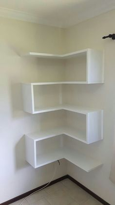 35 Smart Corner Shelf Design Ideas That Will Change Your Room Style - Engineering Discoveries Corner Shelf Design, Wall Shelves Design, Diy Shelving, Corner Wall Shelves, Corner Bookshelves, Unique Wall Shelves, Bookshelf Diy, Modern Bookshelf, Bookshelf Design