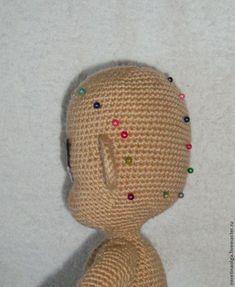 Для пышной прически я использовала вот такие нитки (продаются по весу): Для распускания ниток волос данная пряжа не подходит, так как тонкая, распущенная ниточка рвется, а вот для пышной прически, как у Полиночки и Ариэль, подходит в самый ра…
